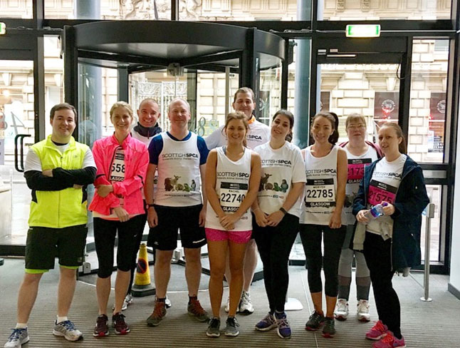 BTO running teams before the Great Scottish Run